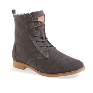 TOMS suede Alpa lace up ankle boots 9.5